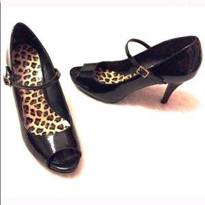 🔷BOGO🔷 Tahari patent leather Mary Jane heels 8